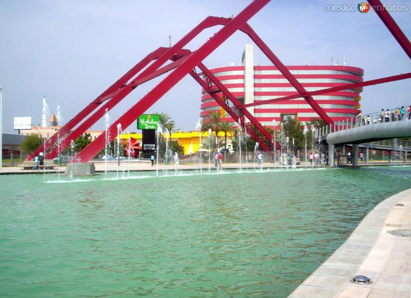 Parque Fundidora y Paseo Santa Lucía