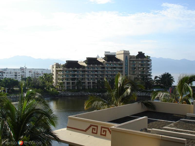 Marina y hotel