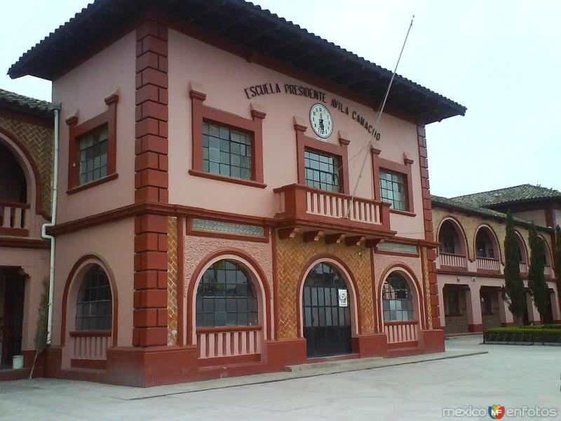 Escuela Avila Camacho