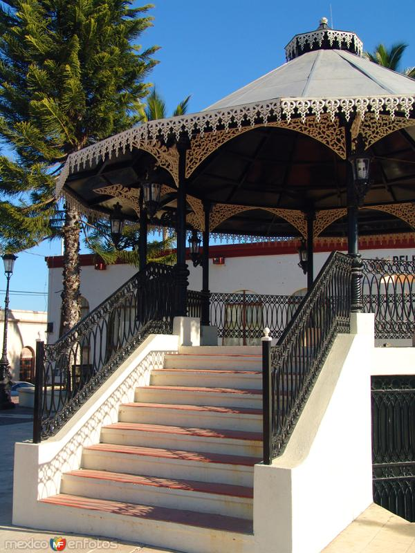 Plaza principal de Todos Santos