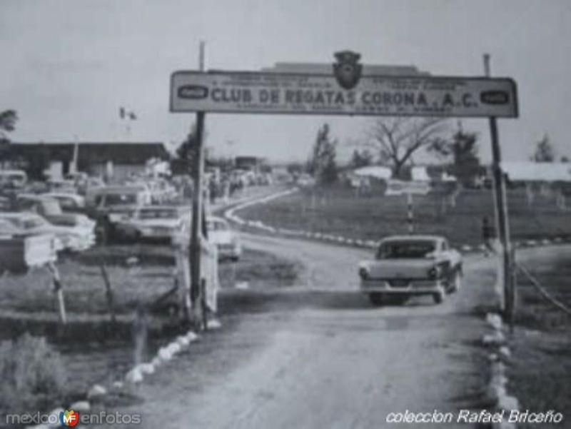 Campamento de la pesca del Sabalo del Regatas Corona en el Rio Panuco en los 60