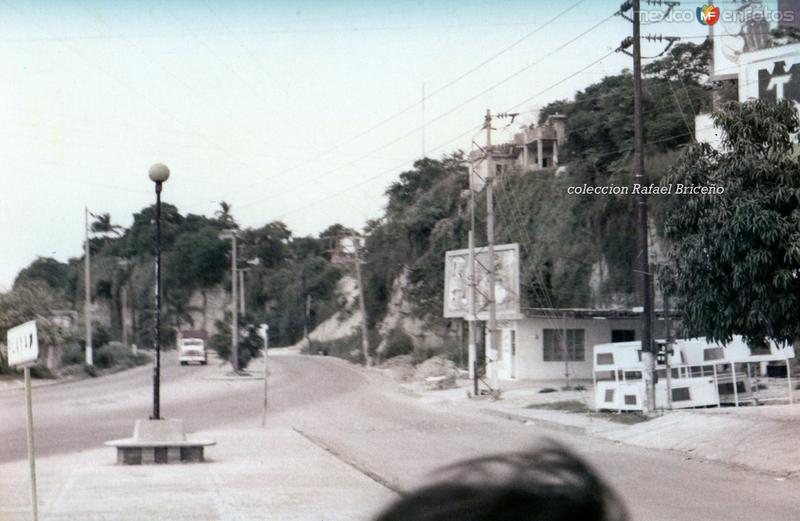 Blvd. Lopez Mateos antes del puente Tampico