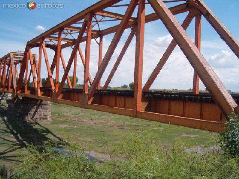 Puente del Tren Sobre el Rio Florido