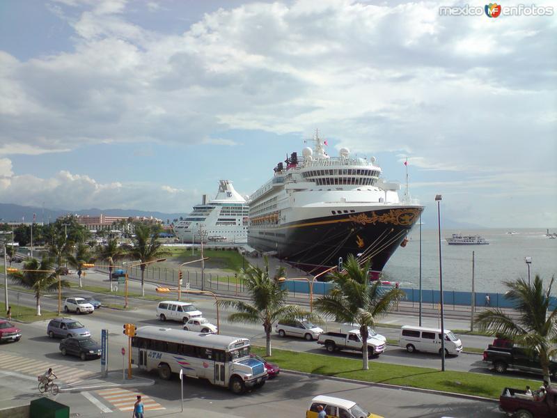 Crucero Disney Magic! Llega Todos Los Jueves!