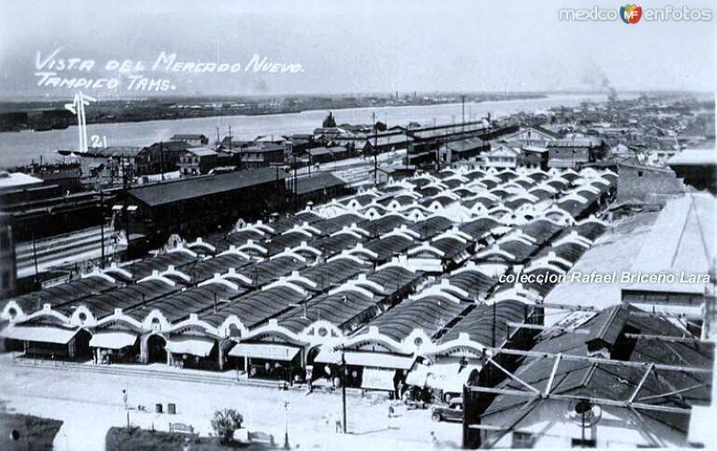 """Vista de los Mercados , frente a la plaza """"Hijas de Tampico"""" en los años 30"""