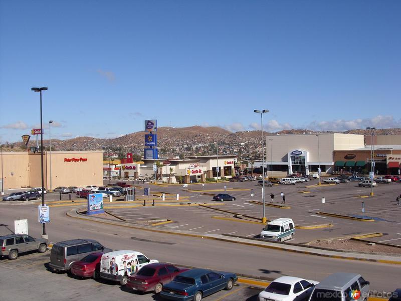 plaza comercial 2