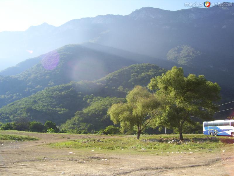 montañas que rodean al chorrito, hidalgo, tam.