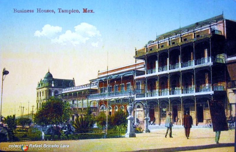 Plaza de la Libertad y calle Muelle 1910