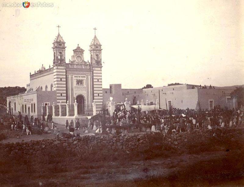 Capilla, Hacienda y escuela en 1908