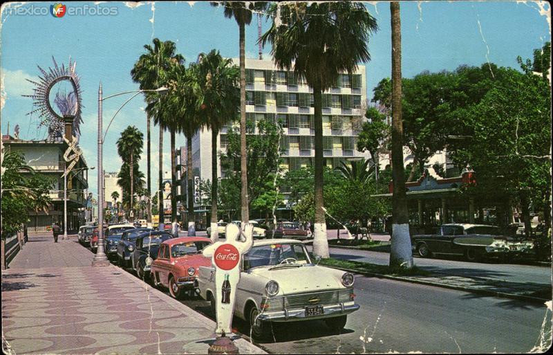 Avenida Morelos, Plaza Principal
