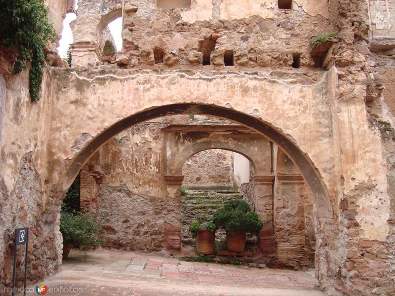 museo rafael coronel (ruinas)