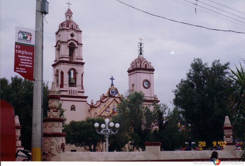 Portada y atrio de la parroquia de Chiconcuac, Edo. de México