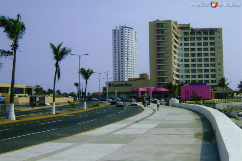 Zona hotelera y Boulevard Manuel Avila Camacho. Boca del Río, Veracruz