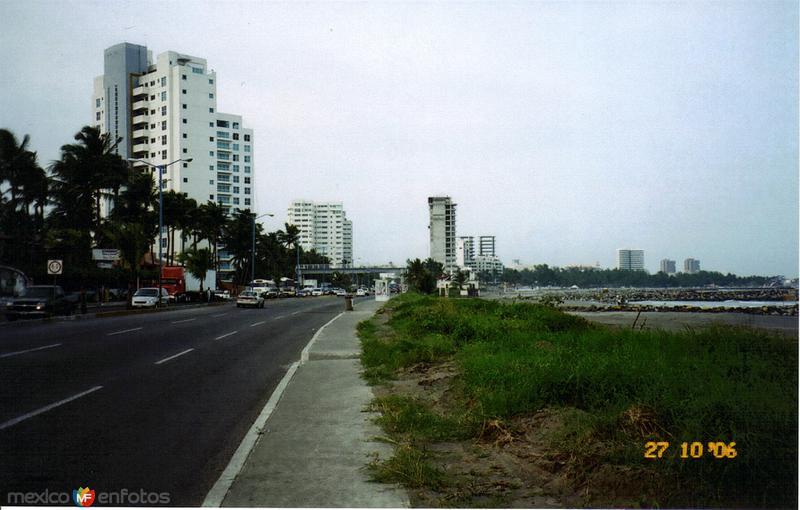Prolongación del Blvd. Ruíz Cortines. Boca del Río, Veracruz
