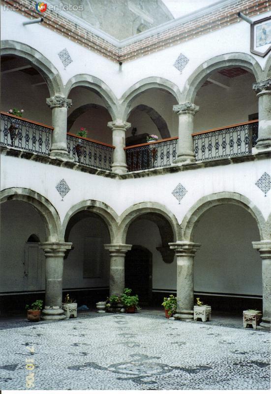 Claustro del ex-convento de San Luis, siglo XVI. Huamantla, Tlaxcala