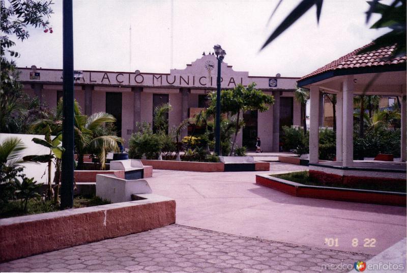 Zócalo y palacio municipal de Isla Mujeres, Quintana Roo