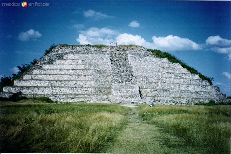Gran Pirámide de Izamal, Yucatán