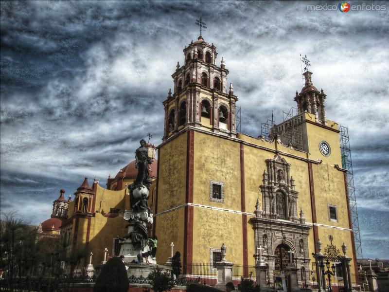La basilica de Guanajuato