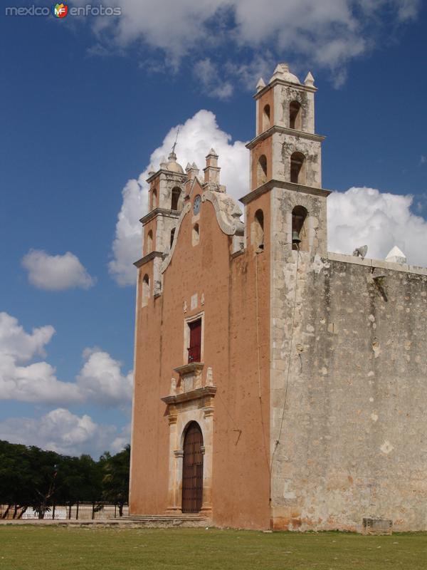 Iglesia de Tecoh
