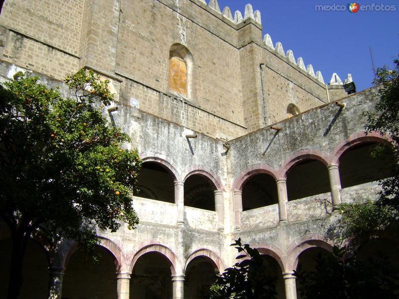 Ex-convento tipo fortaleza. Siglo XVI. Huejotzingo, Puebla