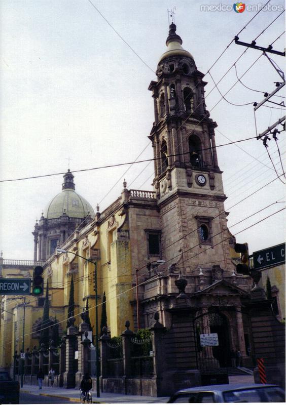 Parroquia del Carmen. Celaya, Gto. 2000