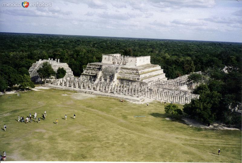 Templo de las mil columnas. Chichén Itzá. 2000