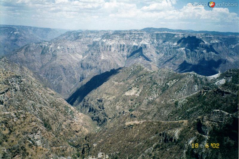 Barranca del Cobre desde el divisadero. Estado de Chihuahua. 2002