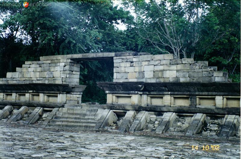 Zona arqueológica El Tajín, Veracruz. 2002