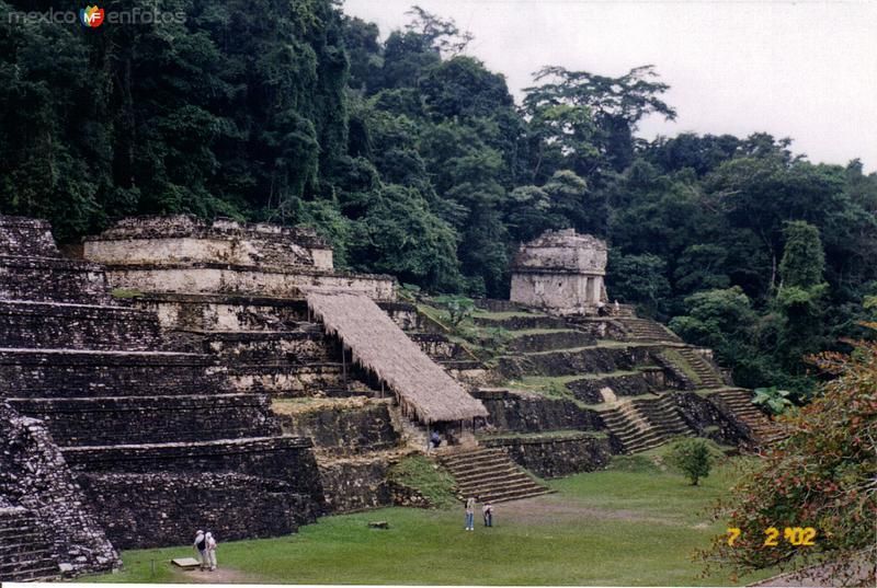 Plaza principal. Zona arqueológica de Palenque, Chiapas. 2002