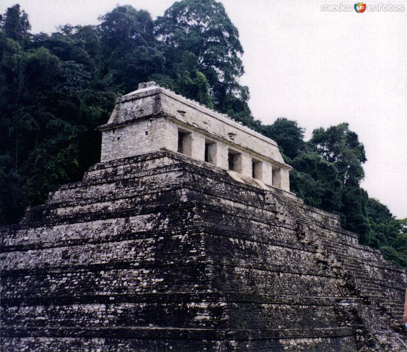 El Templo de las Inscripciones. Palenque, Chiapas. 2002