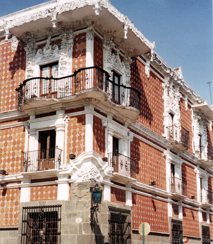 Museo Casa del Alfeñique (Siglo XVIII) de estilo barroco-churrigueresco. Puebla. 2001