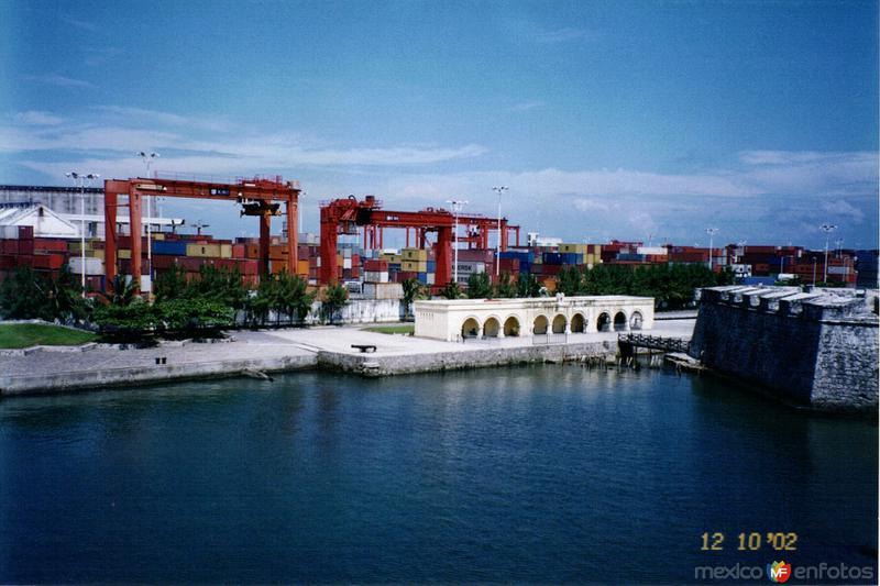 Fuerte de San Juán de Ulúa y la zona portuaria. Veracruz. 2002