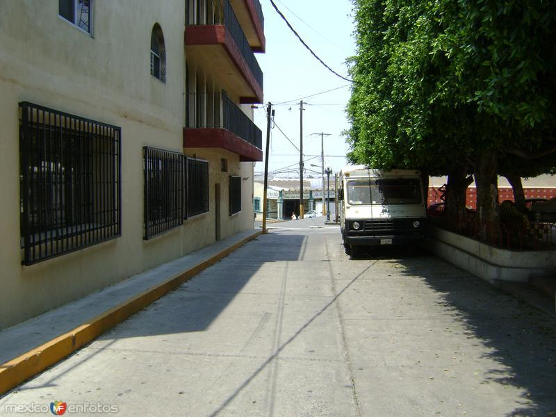 Callejón del centro de Chipilo, Puebla. Abril/2011
