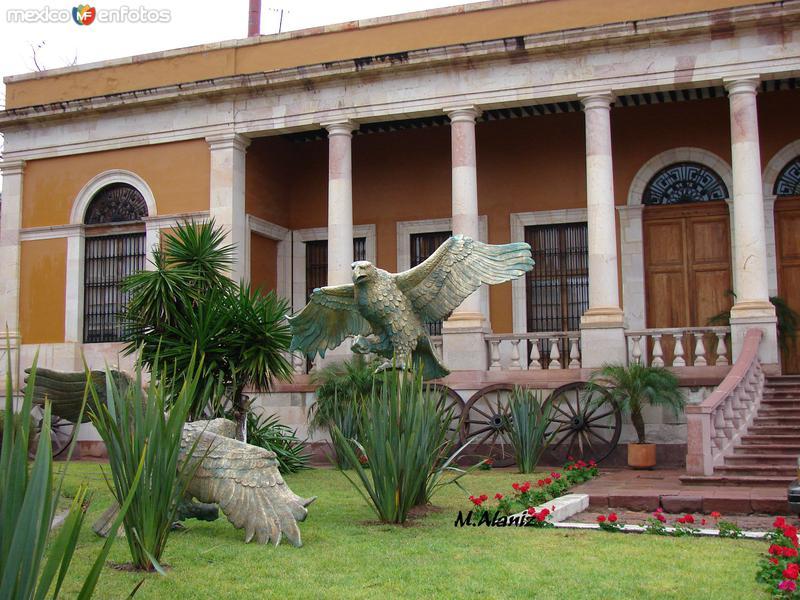 el CC ( centro cultural)