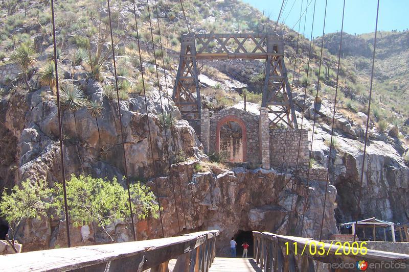 Puente de Ojuela y Mina