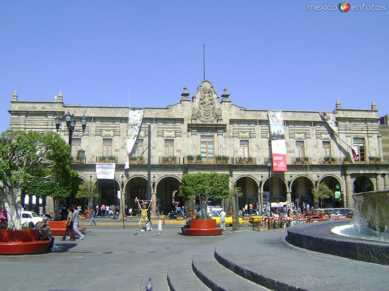 La Plaza Guadalajara y el Palacio Municipal. Noviembre/2011