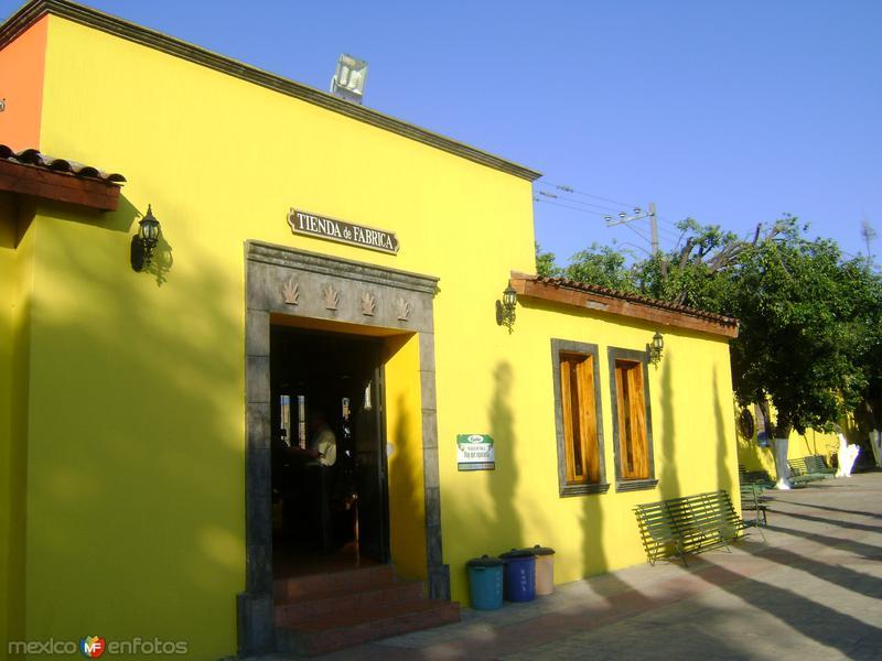 Tienda de la fábrica Rubio. Tequila. Noviembre/2011