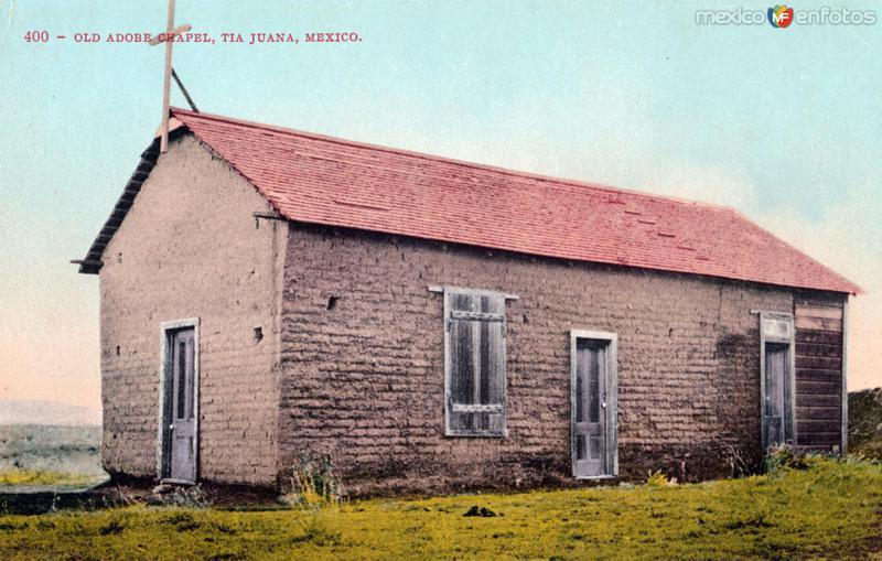 Antigua iglesia de adobe