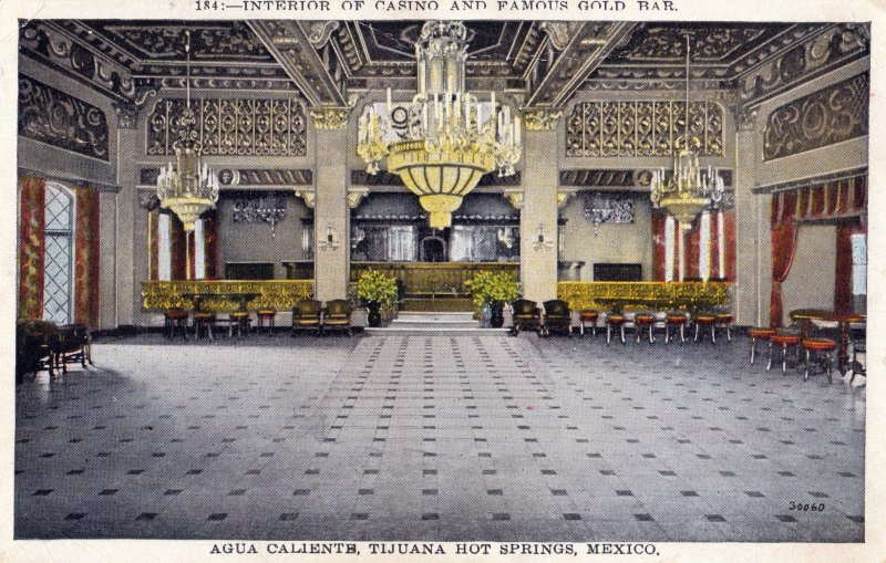 Interior del Casino de Agua Caliente