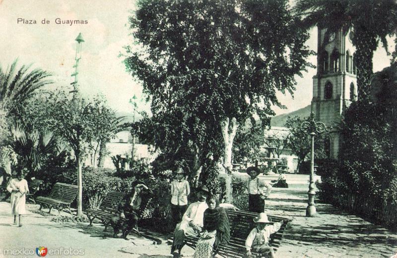 Plaza principal de Guaymas