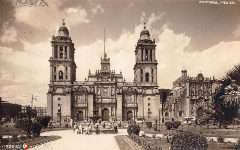 Zócalo y Catedral Metropolitana de la Ciudad de México