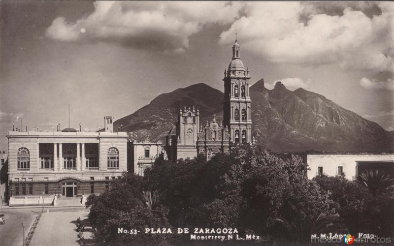 Plaza de Zaragoza y Catedral de Monterrey