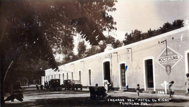 Fachada del Hotel El Riego