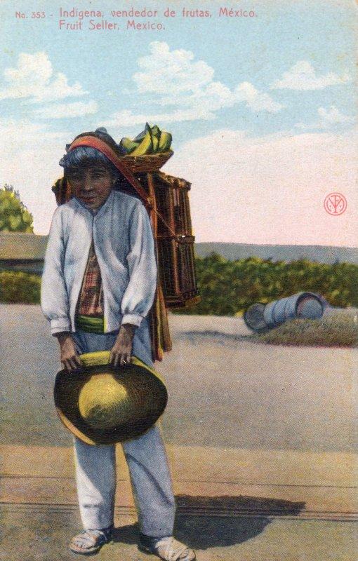 Indígena vendedor de frutas
