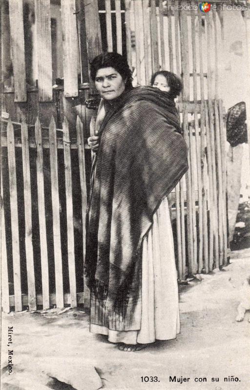 Mujer con su niño