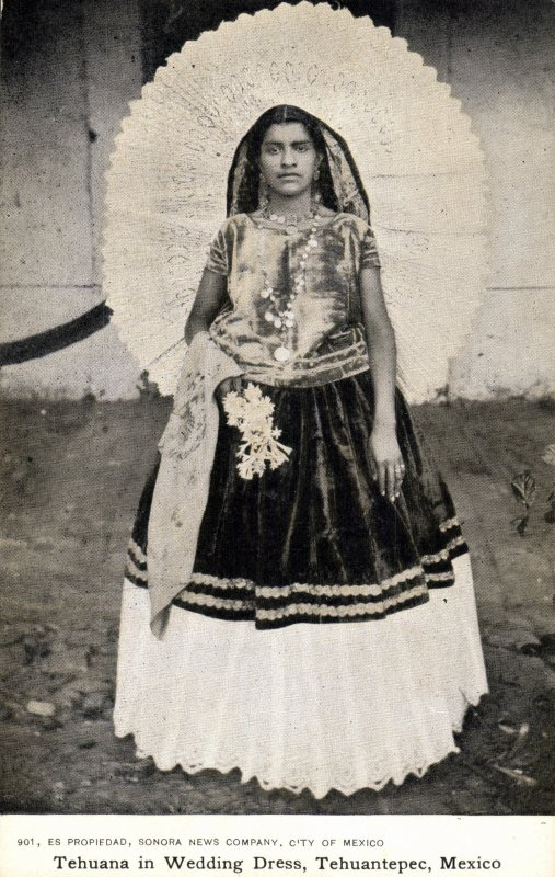Tehuana En Vestido De Novia Tehuantepec Oaxaca