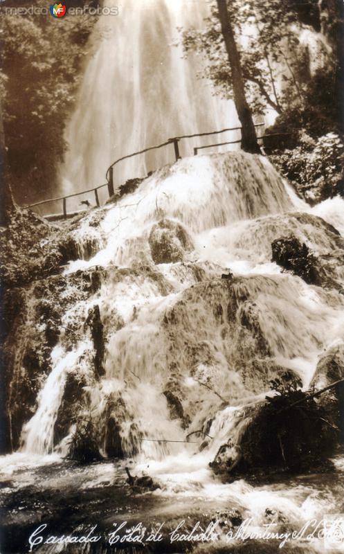 Cascada Cola de Caballo