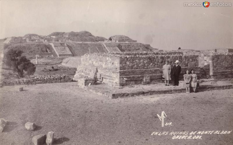 En las ruinas de Monte Albán