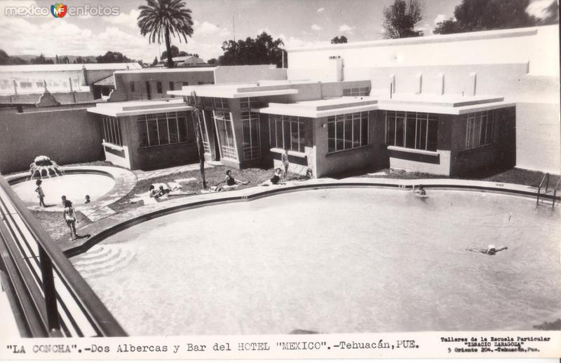 La Concha. Albercas y bar del Hotel México