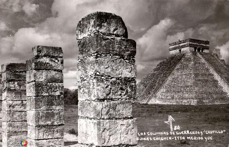 Las Columnas de Guerreros y El Castillo